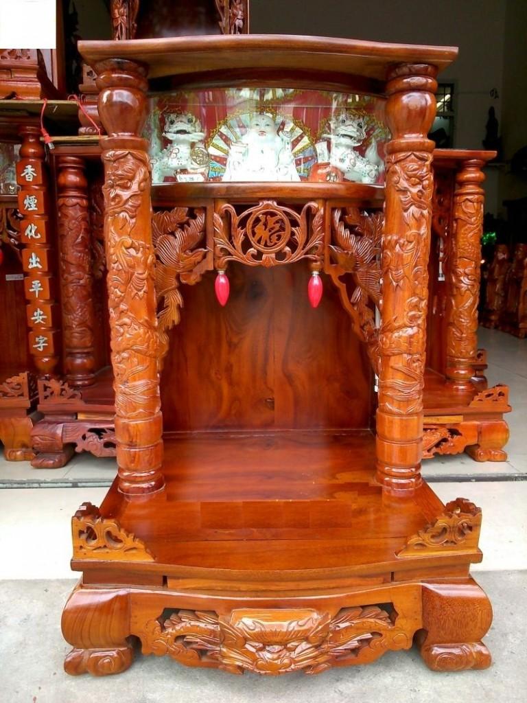 ban tho than tai11 768x1024 Phong thủy bàn thờ thần tài cho người tuổi Giáp Sửu