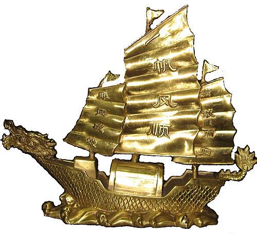 Thuyền buồm trong phong thủy có thể làm bằng nhiều chất liệu