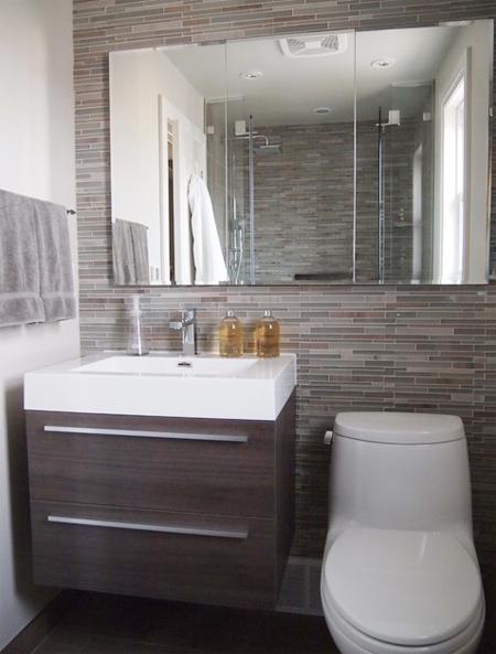 Không nên thiết kế nhà vệ sinh trong phòng ngủ