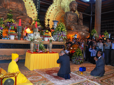 Văn khấn lễ Phật