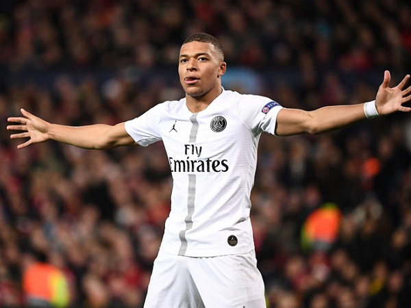 Real cay đắng tuột thần đồng Mbappe