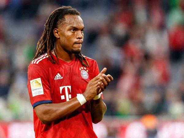 """Bayern Munich chính thức chia tay """"cậu bé vàng"""" Renato Sanches"""