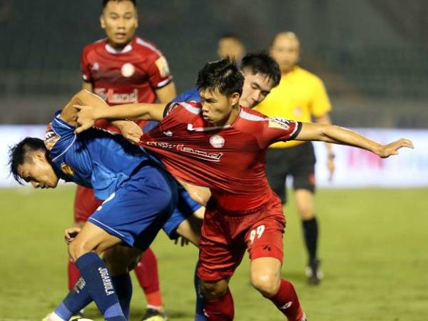 Bóng đá VN tối 23/3: CLB Quảng Nam đề xuất hủy V-League 2020