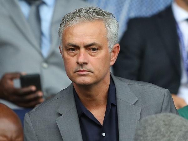 Tin bóng đá 31/3: Jose Mourinho chính thức trở thành… HLV online