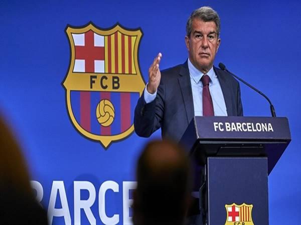 Tin bóng đá 17/8: Chủ tịch Barca yêu cầu cầu thủ tiếp tục giảm lương